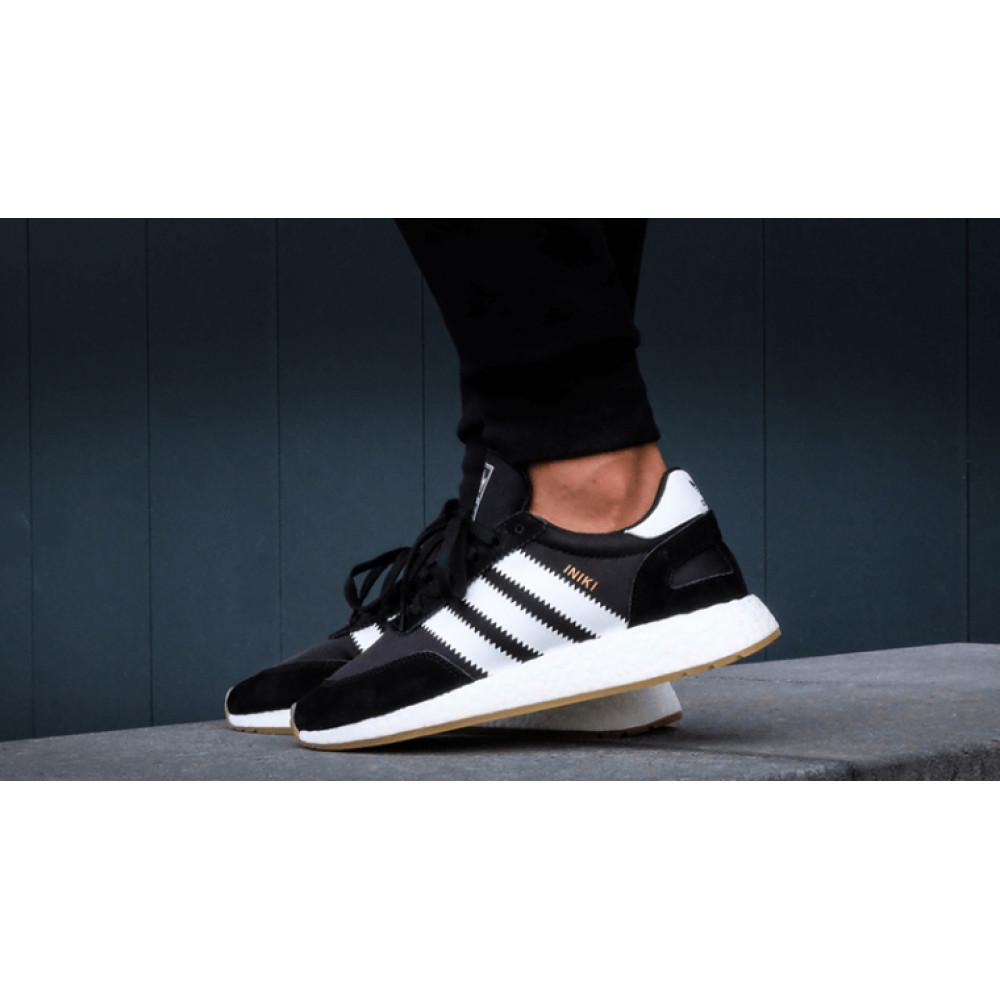 Беговые кроссовки мужские  - Черные кроссовки Adidas Iniki Runner 6