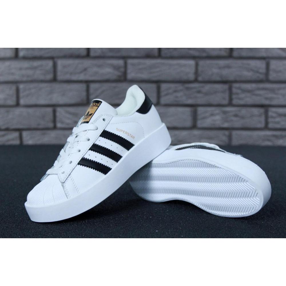 Женские кроссовки классические  - Кроссовки Adidas Superstar Bold 4