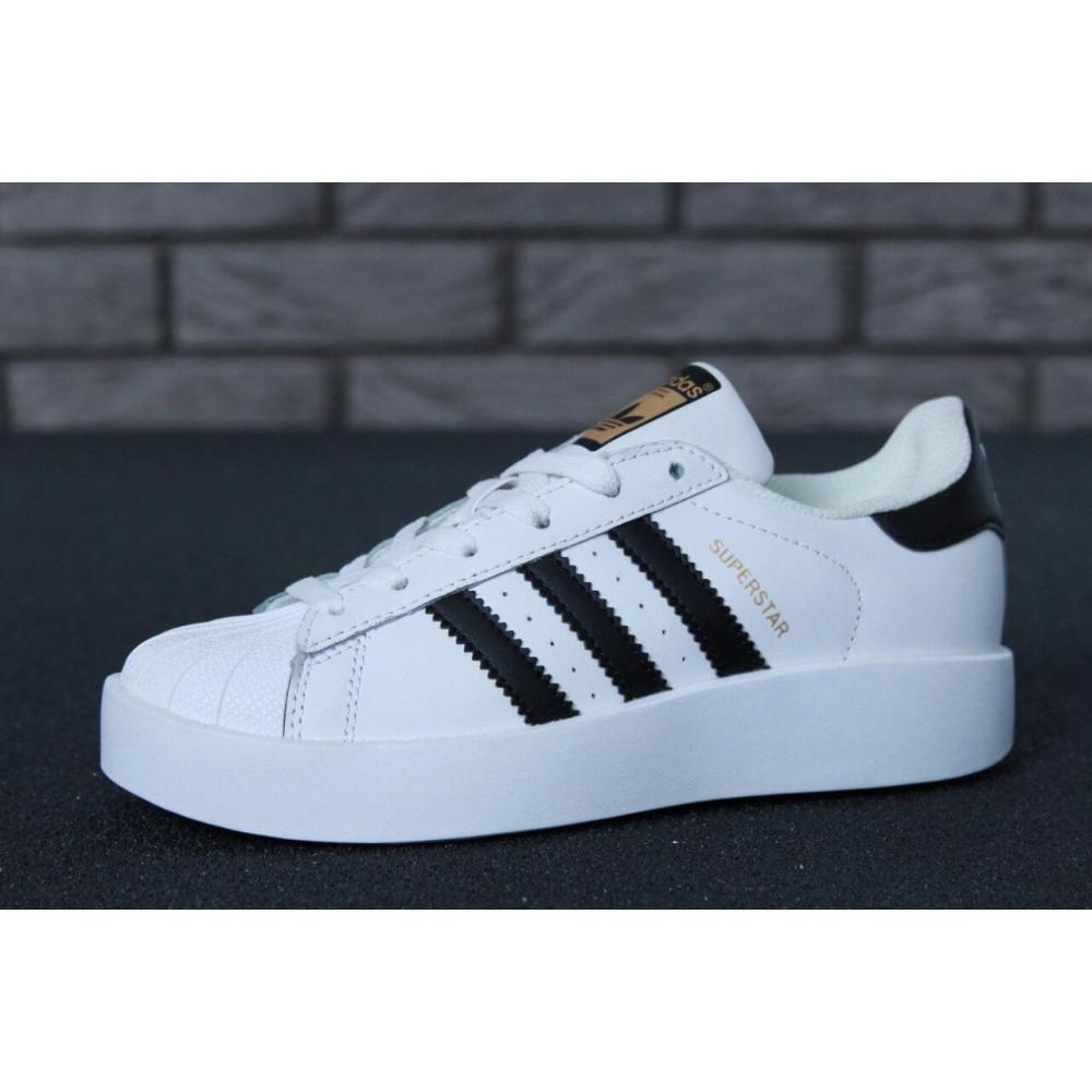 Женские кроссовки классические  - Кроссовки Adidas Superstar Bold 2