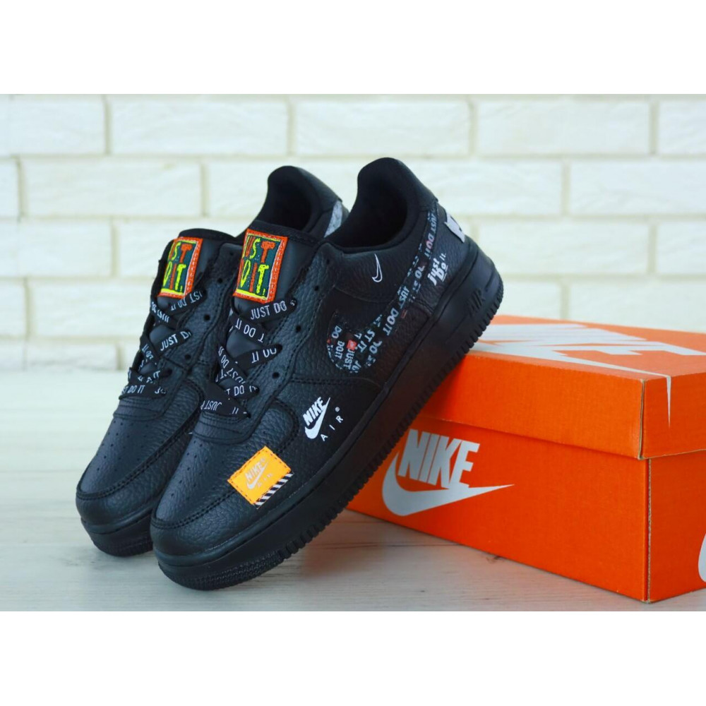 Демисезонные кроссовки мужские   - Мужские кожаные кроссовки Найк Аир Форс 1 черные низкие