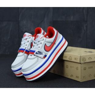 Модные женские кроссовки Nike Vandal White Blue Red