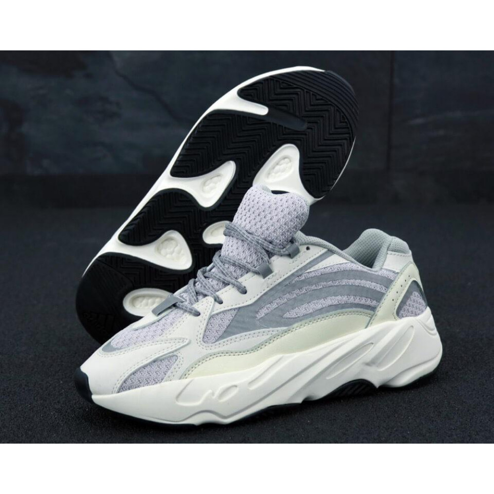 Демисезонные кроссовки мужские   - Мужские кроссовки Adidas Yeezy Boost 700 светло-серые 2