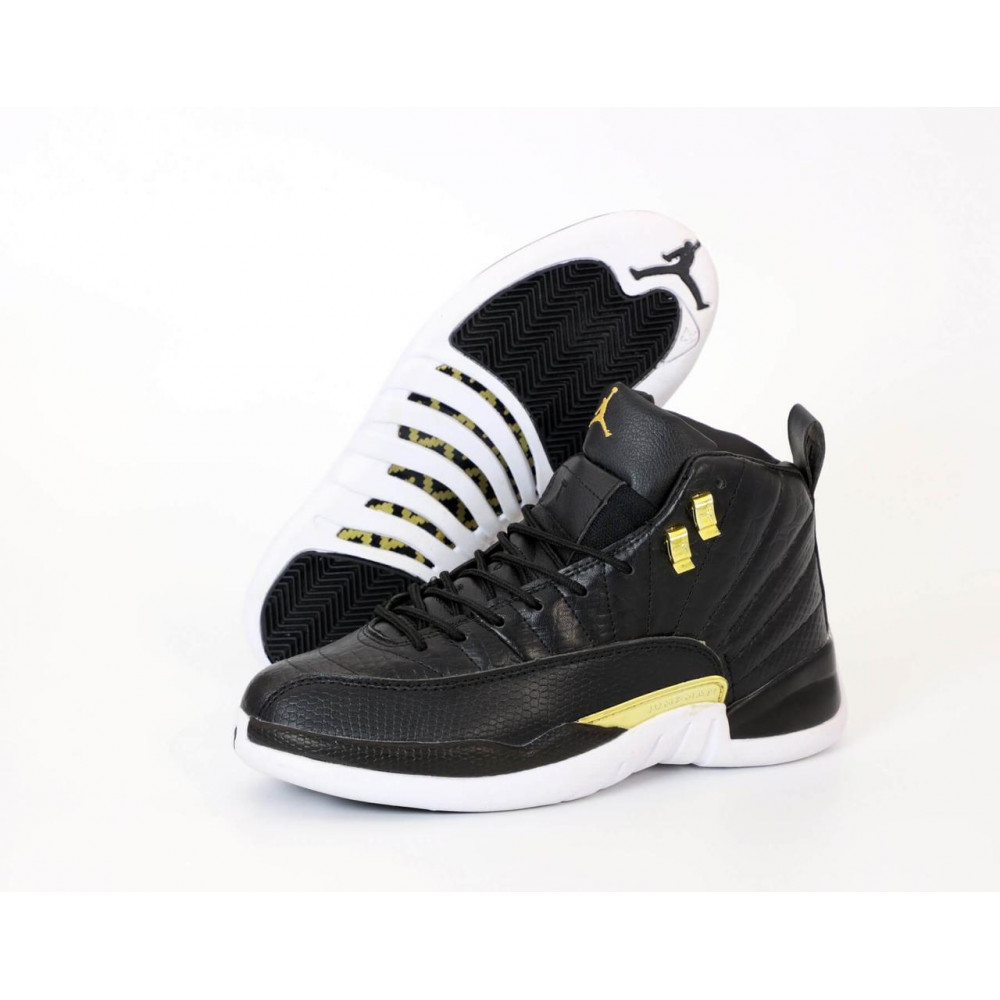 Демисезонные кроссовки мужские   - Найк Джордан Ретро 12 черного цвета 2