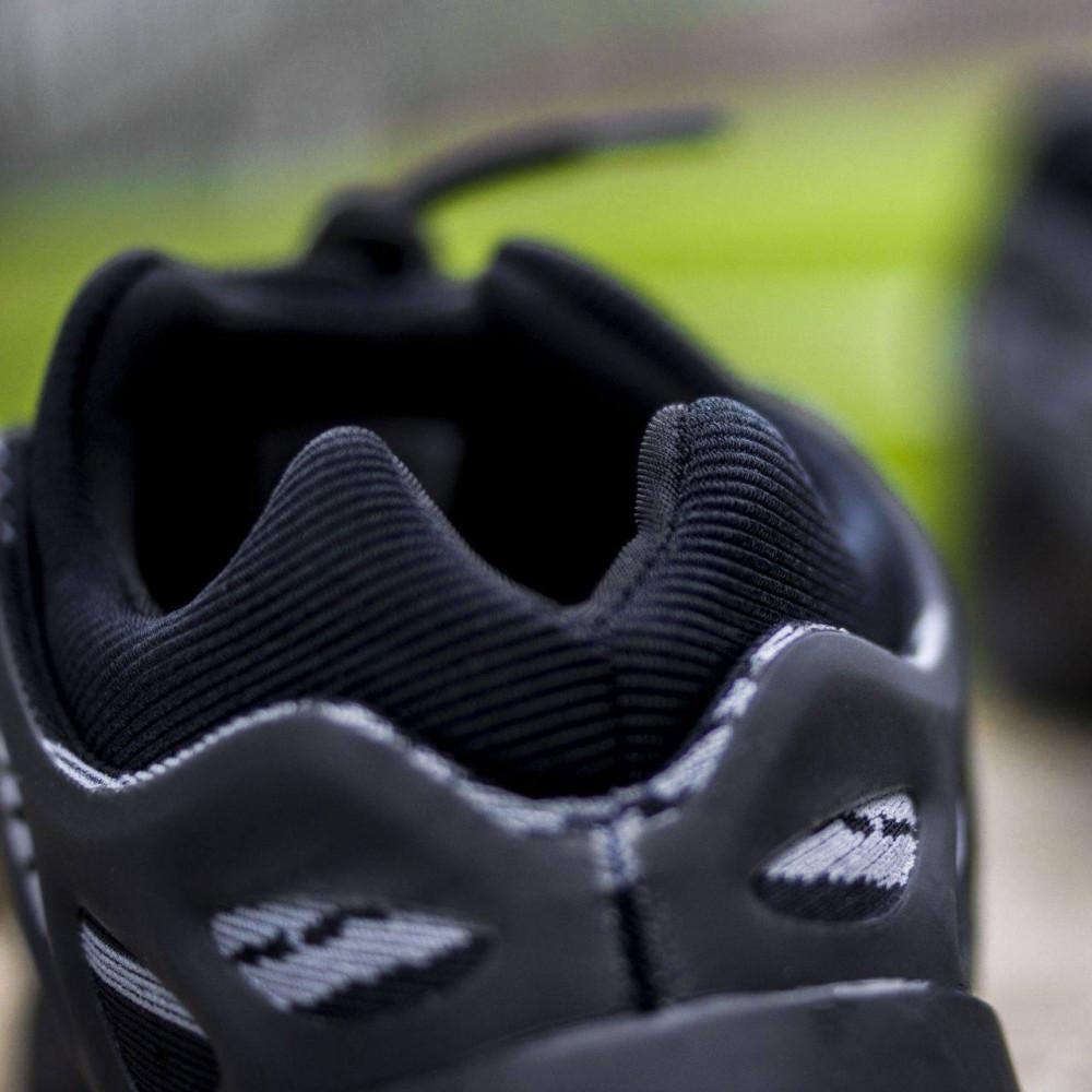 Демисезонные кроссовки мужские   - Кроссовки Adidas Yeezy Boost 700 V3 Black черного цвета 7
