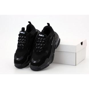 Кроссовки Balenciaga Triple S черного цвета
