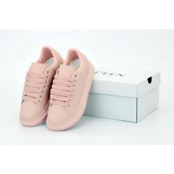 Женские кроссовки Alexander McQueen в розовом цвете